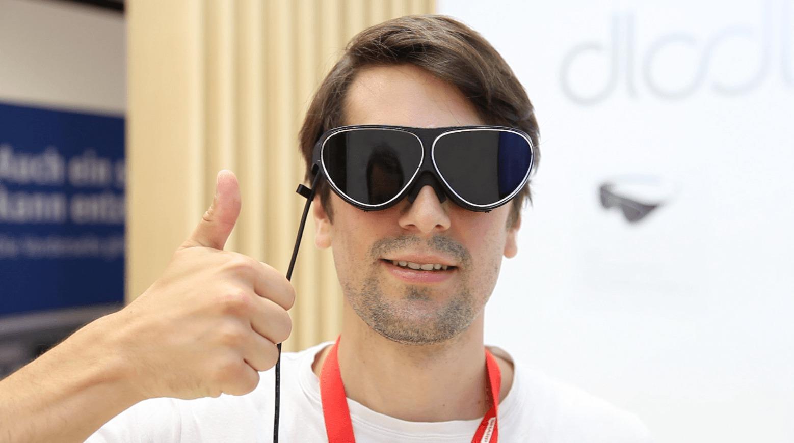 Dlodlo : nous avons testé le casque de réalité virtuelle le plus léger