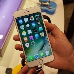 iPhone 8 : Apple et Sharp en pourparlers pour des écrans OLED