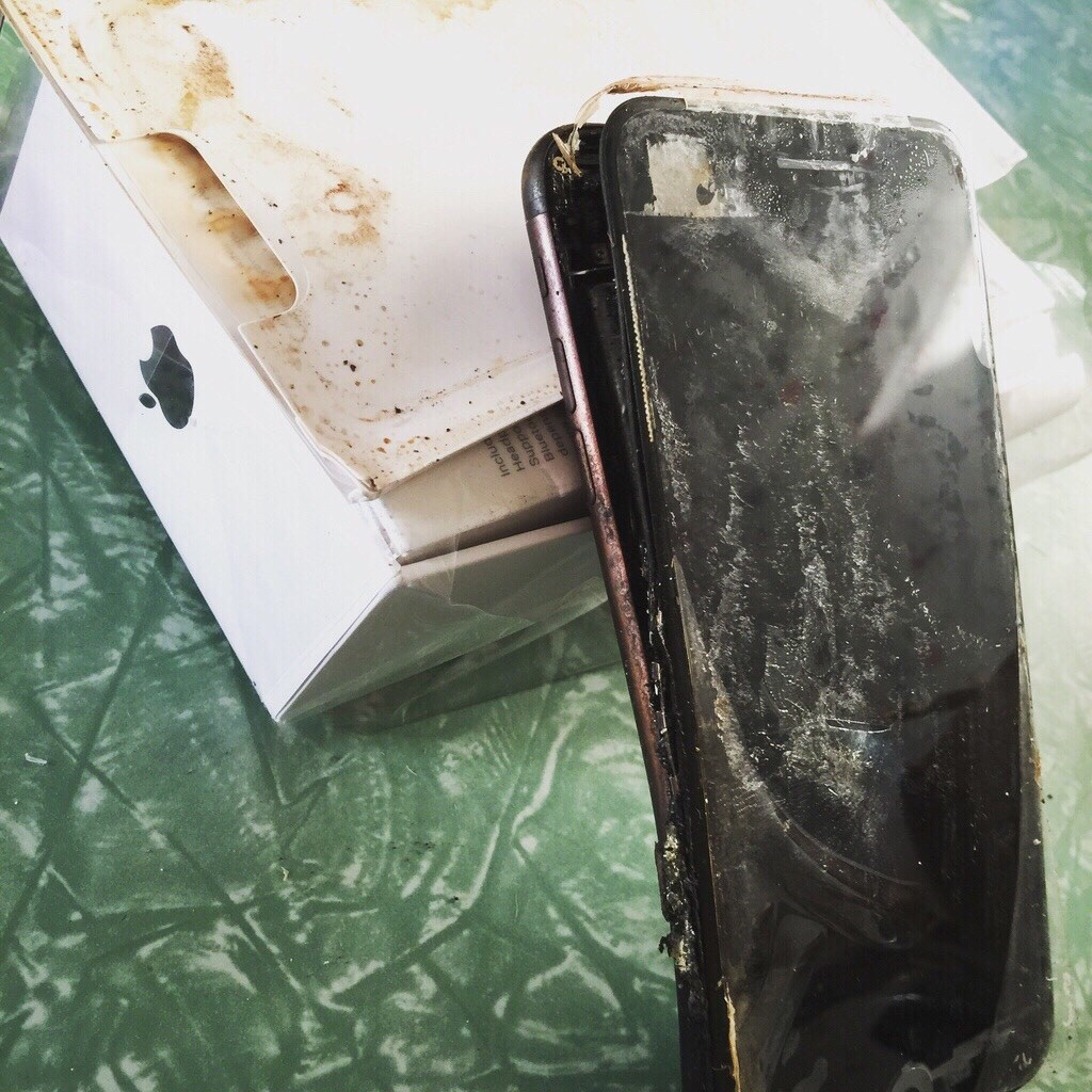 Apple suit la tendance de Samsung avec un iPhone 7 Plus explosif