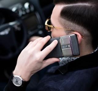 Vertu : un mystérieux businessman controversé rachète la marque de smartphone de luxe
