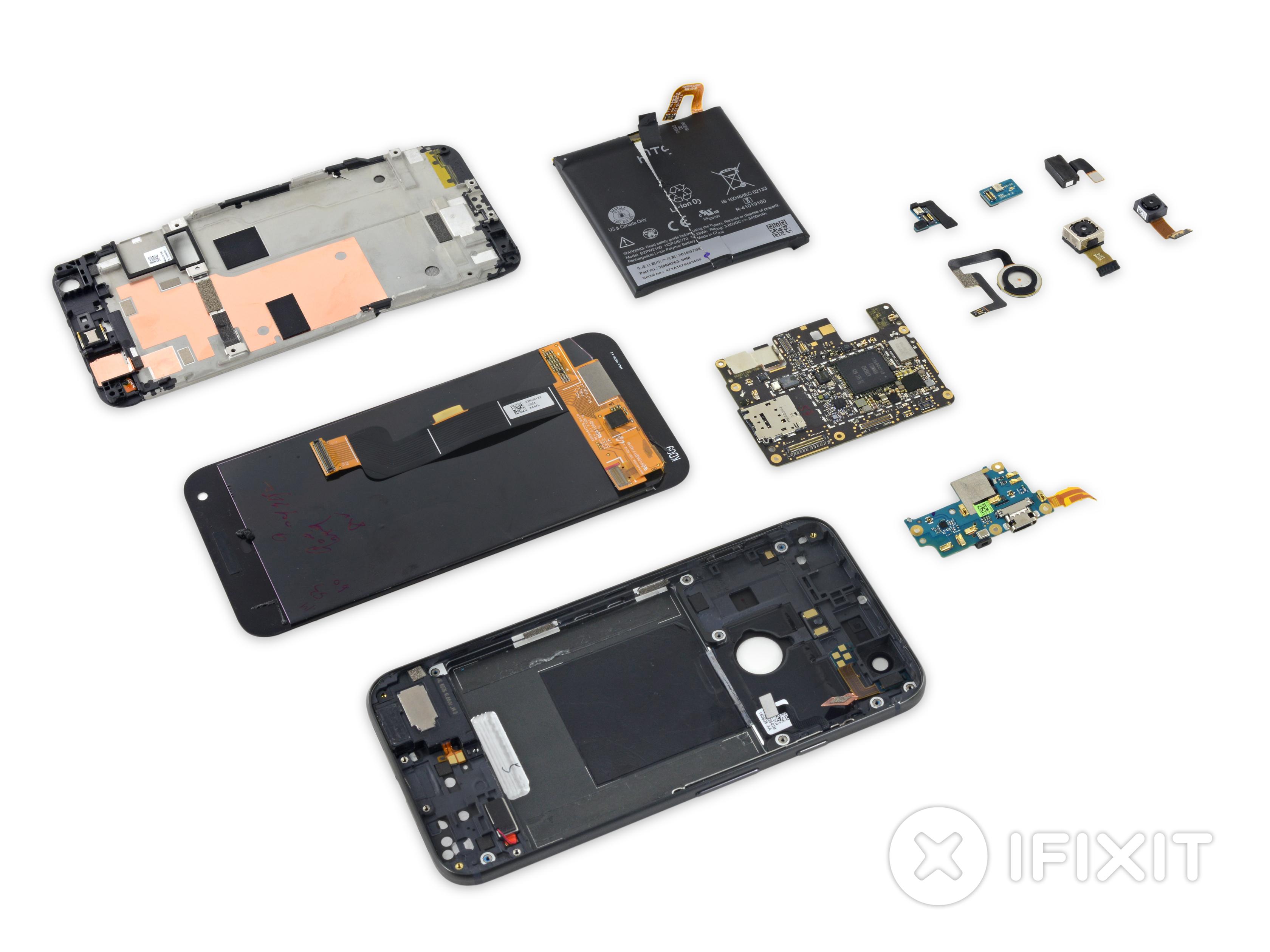 Google Pixel XL : iFixit a réussi à trouver un logo HTC en le démontant
