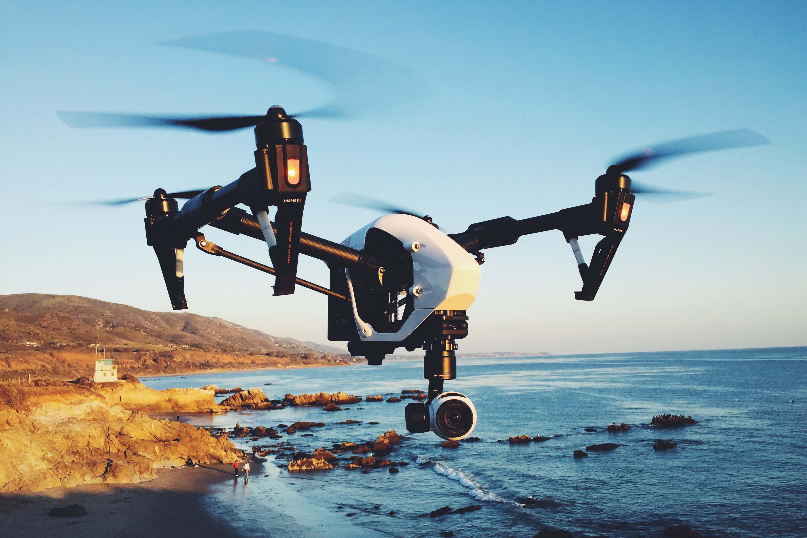DJI compte sur un parachute pour ne blesser personne lors de la chute d'un drone