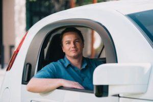 L'ancien chef de la division Google Car veut lancer son projet de véhicule autonome