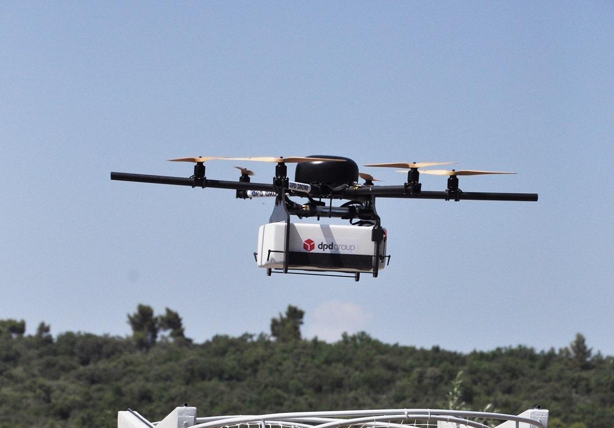 La Poste ouvre sa première ligne commerciale de livraison par drone en France