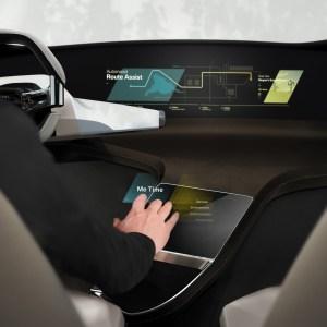 BMW mise sur une interface holographique simulant le retour haptique