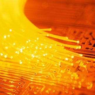 Orange : Pourquoi l'Arcep reproche à l'opérateur de déployer trop vite sa fibre FTTH