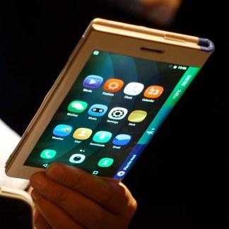 2018 pourrait bel et bien être l'année des smartphones pliables