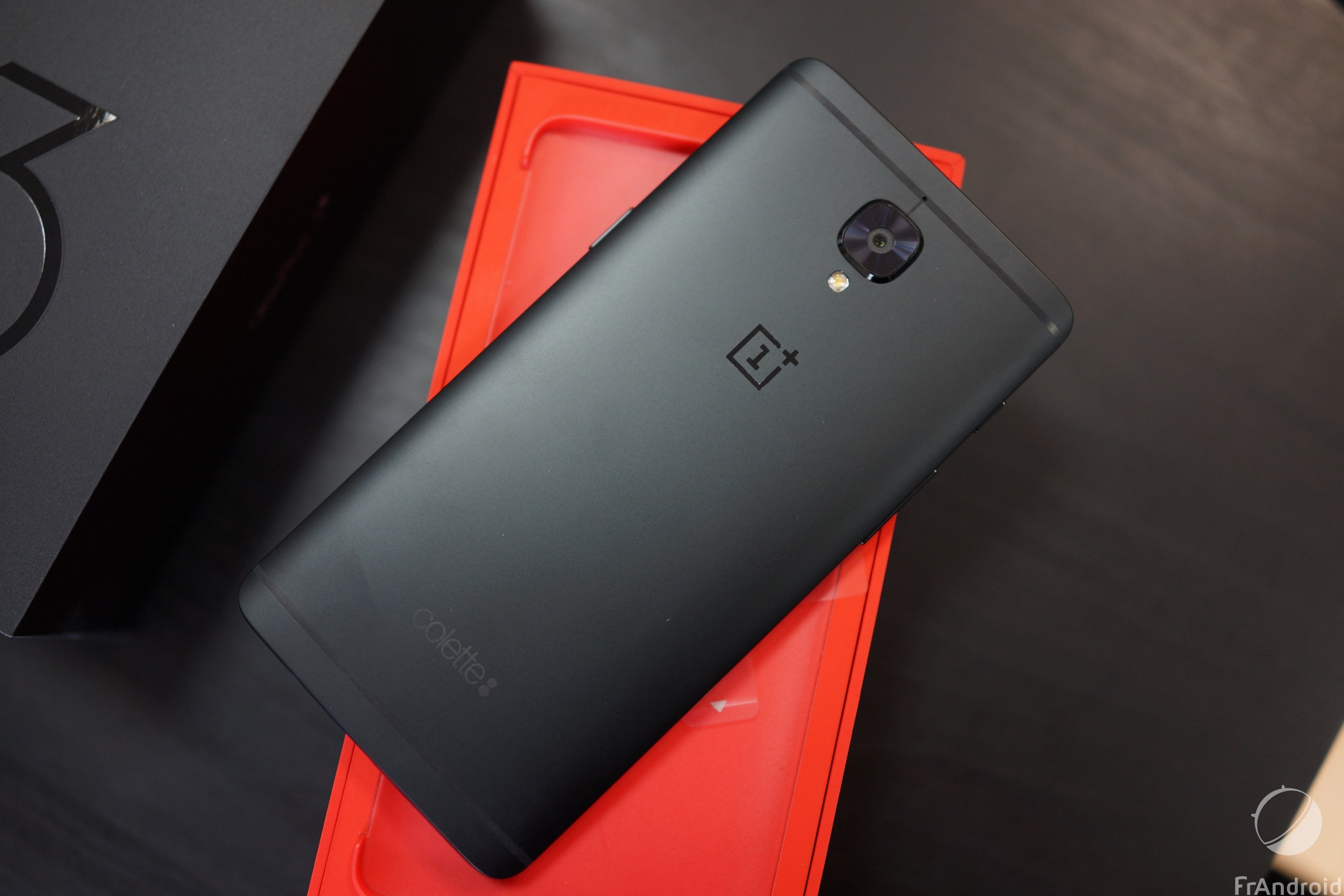 OnePlus officialise le OnePlus 3T Midnight Black