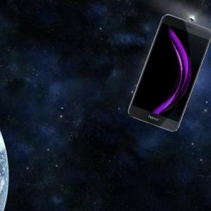 Quel serait le smartphone idéal à utiliser dans l'espace ?