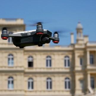 Test du DJI Spark : le mini drone qu'on commande «au doigt et à l'œil»