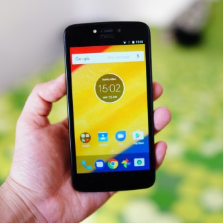 Prise en main du Motorola C Plus : une autonomie prometteuse à petit prix