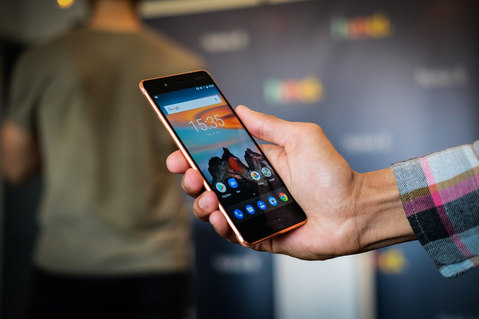 Revue de presse : le Nokia 8 pris en main par la presse étrangère