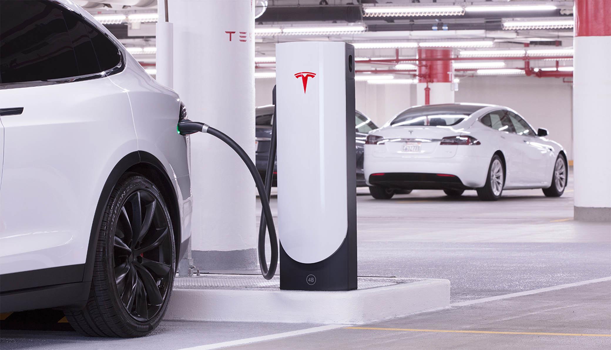 Tesla : ses batteries révolutionnaires n'arriveront finalement pas de sitôt