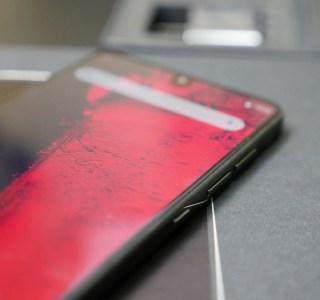 Un nouvel Essential Phone bientôt annoncé ? C'est fortement suggéré par le créateur de la marque