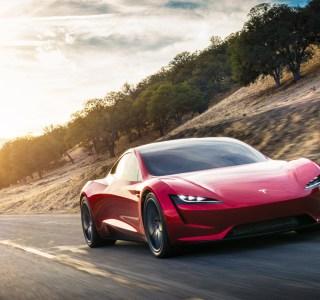 Assez patienté : la Tesla Roadster sera bien produite l'année prochaine
