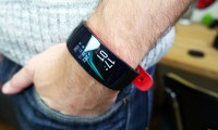 Test du Samsung Gear Fit2 Pro : l'excellent coach sportif qui voulait...