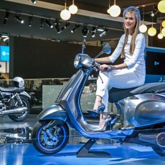 Scooters : électricité et connectivité s'invitent au guidon – Salon de la moto de Milan