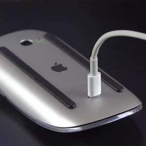 Jony Ive de retour, encore, pour s'occuper du design des prochains produits d'Apple