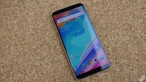 OnePlus 5 et 5T : une mise à jour apporte la capture d'écran vidéo, le mode Fnatic et plus