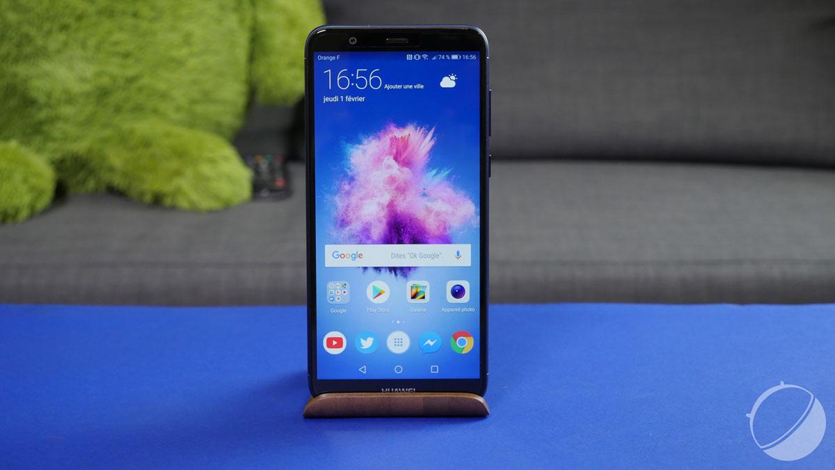 Unboxing du Huawei P smart, successeur du P8 Lite