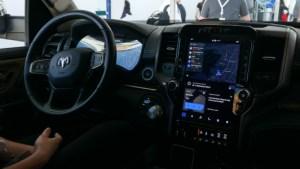 Google veut désormais imposer Android dans les voitures avec un nouveau concept d'interface