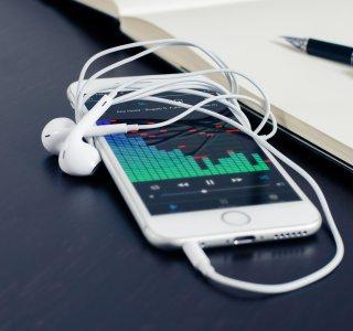 Deezer, Apple Music et YouTube Music poursuivis pour diffuser la musique sans l'accord des artistes