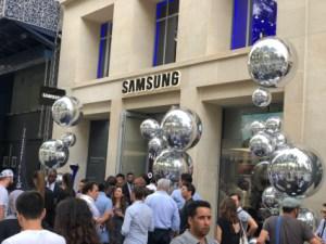 Découvrez l'impressionnant showroom Samsung qui vient d'ouvrir à Paris