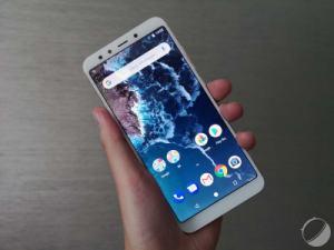 Prise en main des Mi A2 et Mi A2 Lite : Xiaomi pour tous grâce à Android One