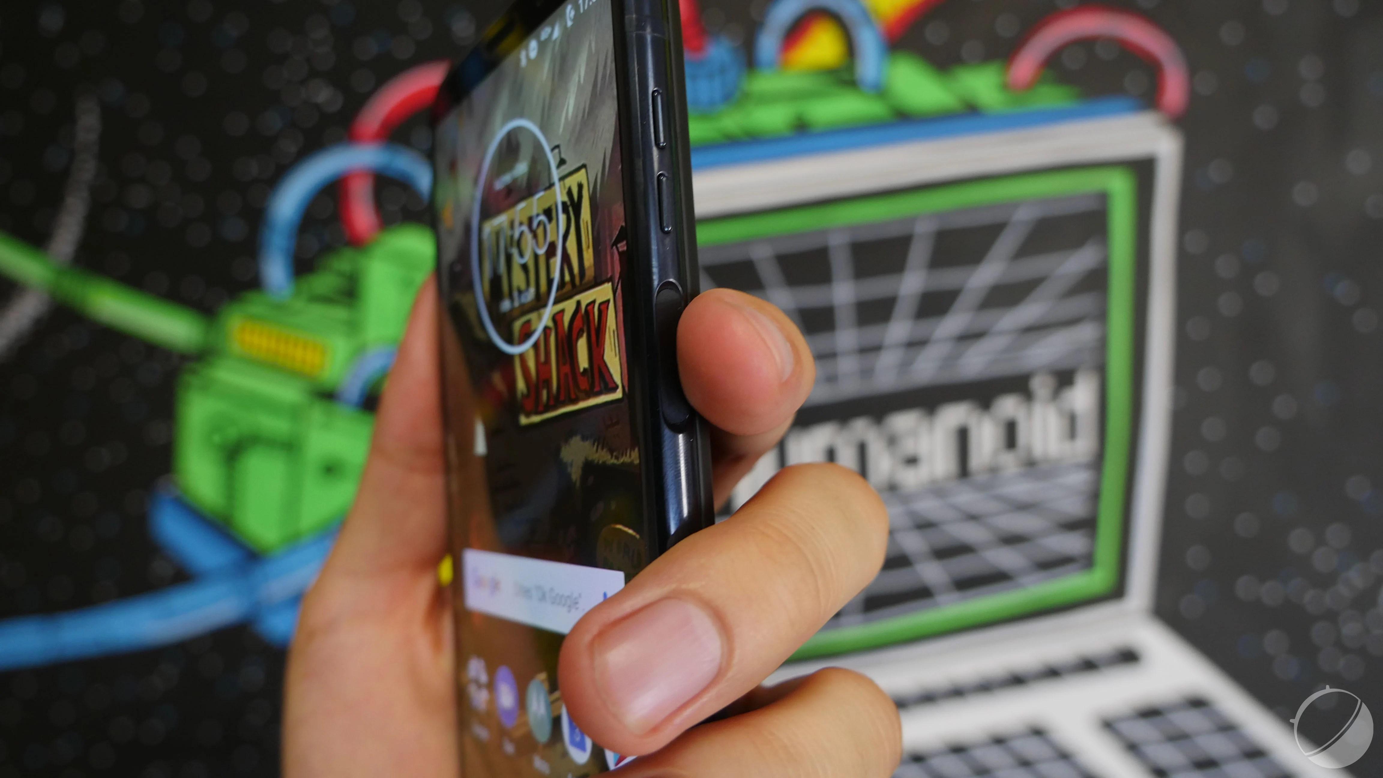 Un smartphone sans aucun bouton physique, Motorola travaille également dessus