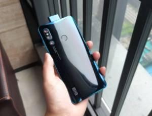 Elephone U2 : le téléphone qui copie l'iPhone X, le P20 Pro, l'Oppo Find X et le Vivo Nex S… rien que ça