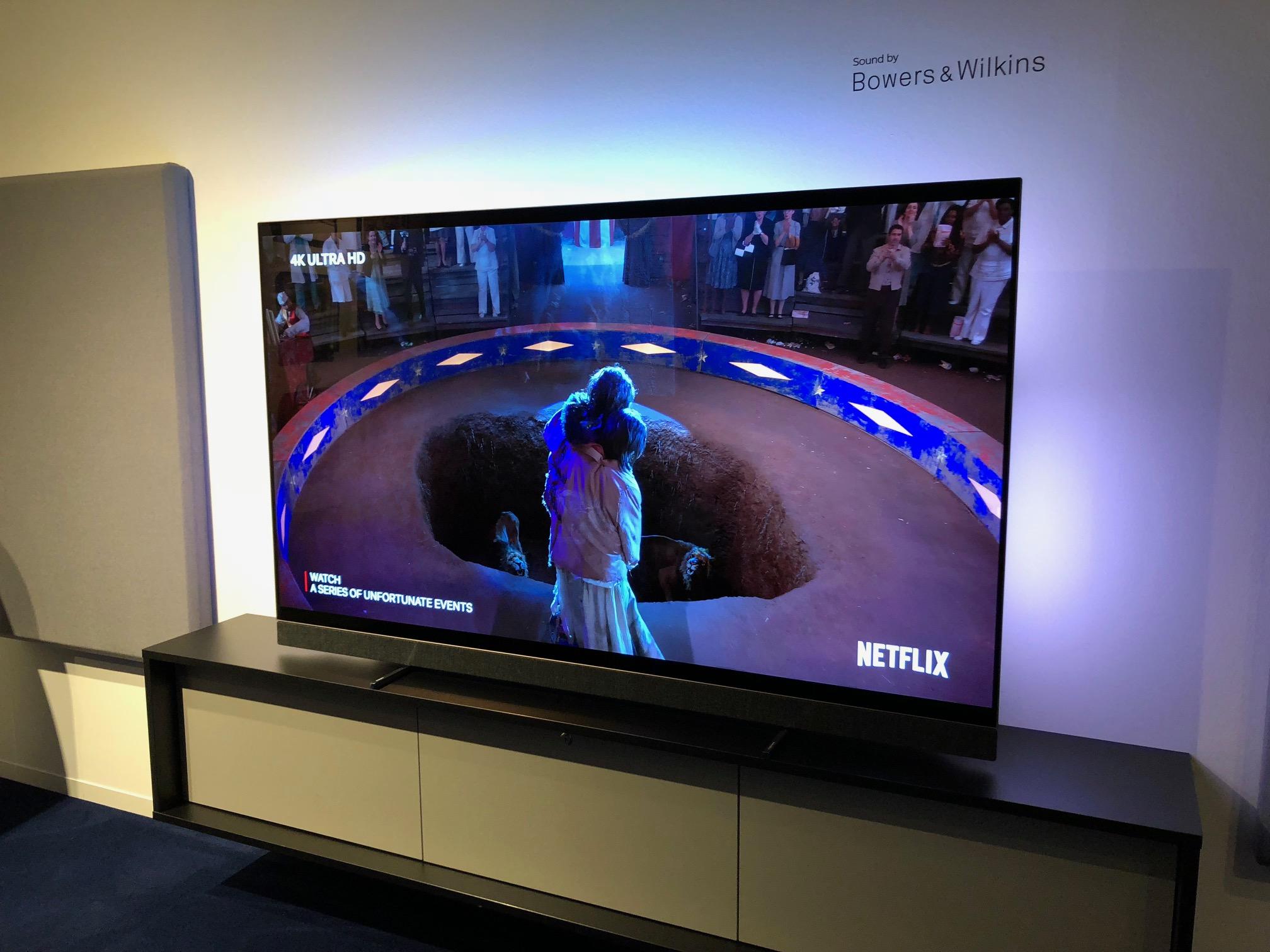 Nous avons découvert la TV Philips OLED903 : notre coup de 💓 de l'IFA 2018 ?