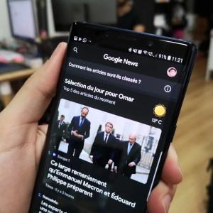 Vous pouvez tester le beau thème sombre de Google Actualités, téléchargez l'APK
