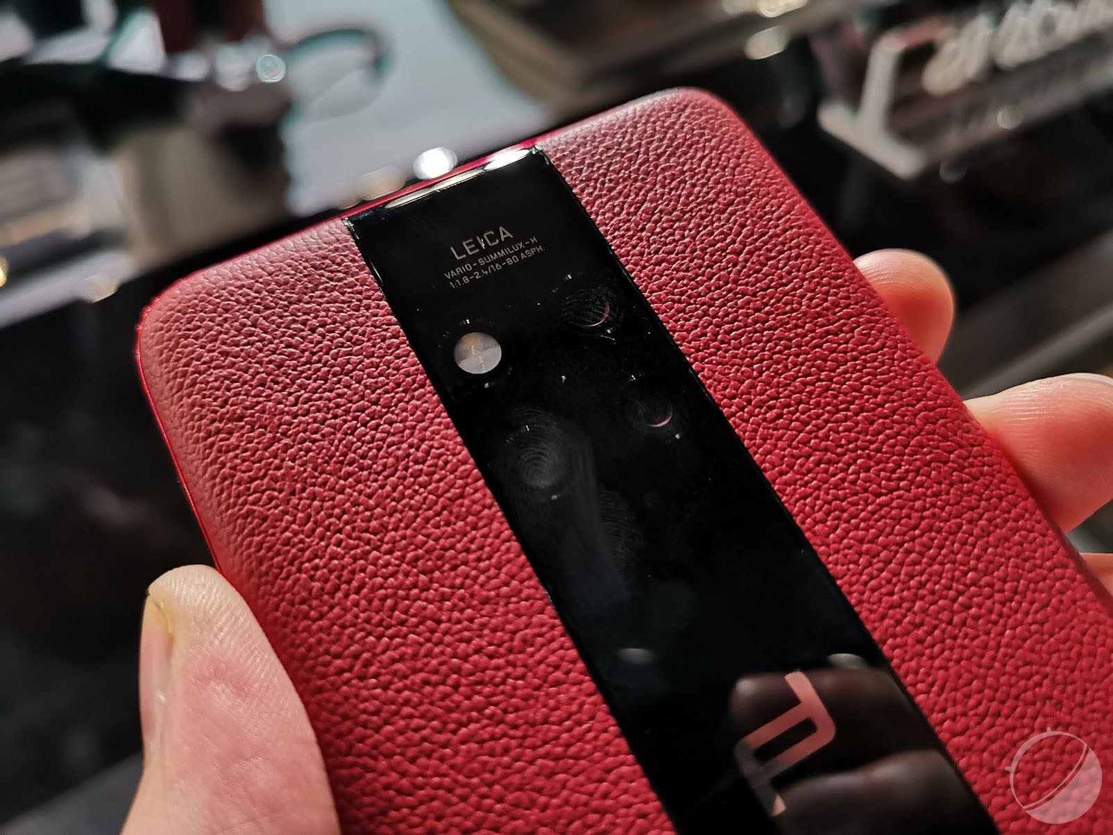 Porsche Design Huawei Mate 20 RS : nos photos du smartphone à plus de 2000 euros