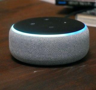 Test de l'Amazon Echo Dot : la première pierre d'un système son et lumière