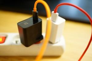 Quick Charge, Fast Charge, Warp Charge, USB PD… tout savoir sur la charge rapide sur smartphone