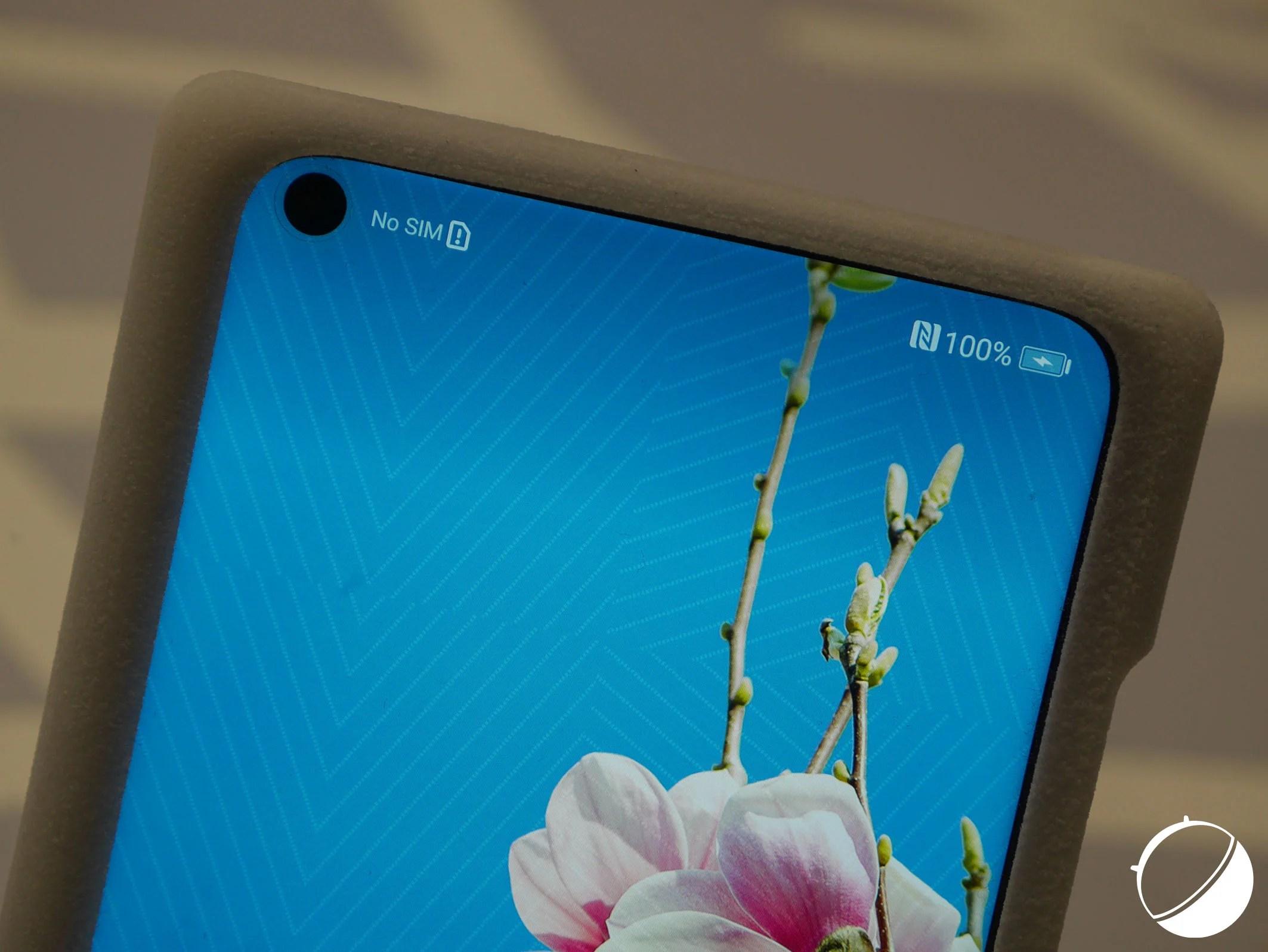 Honor View 20 : nos photos et quelques caractéristiques du smartphone avec un trou dans l'écran