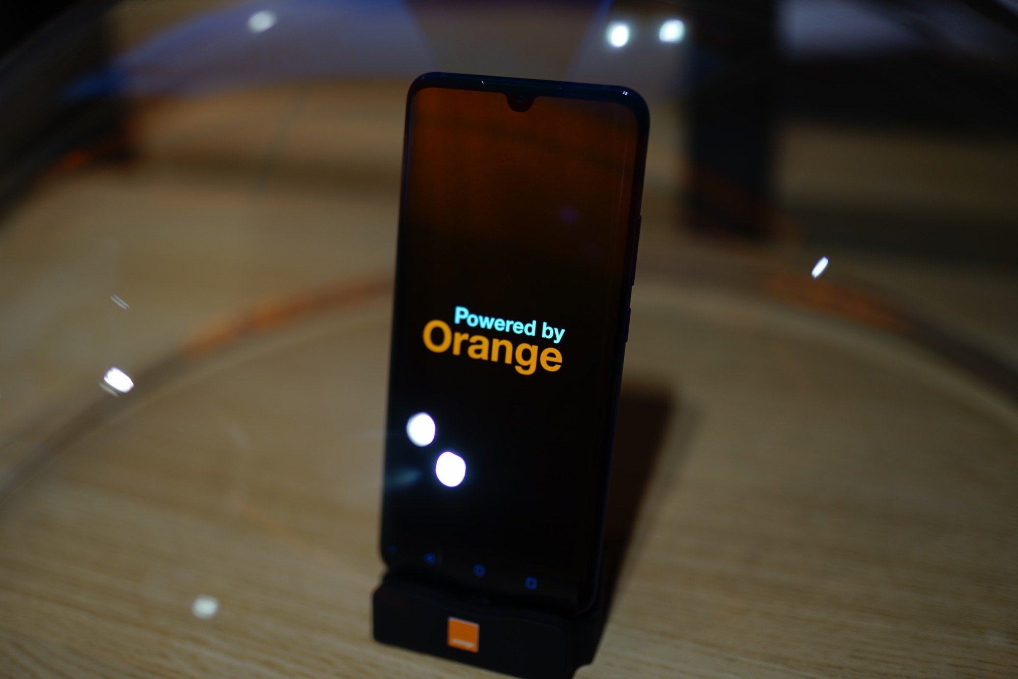 Orange aura son propre smartphone 5G d'ici 2020 – MWC 2019