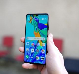 Huawei P30 : il aurait pu avoir une bordure inférieure plus fine, mais Huawei a refusé