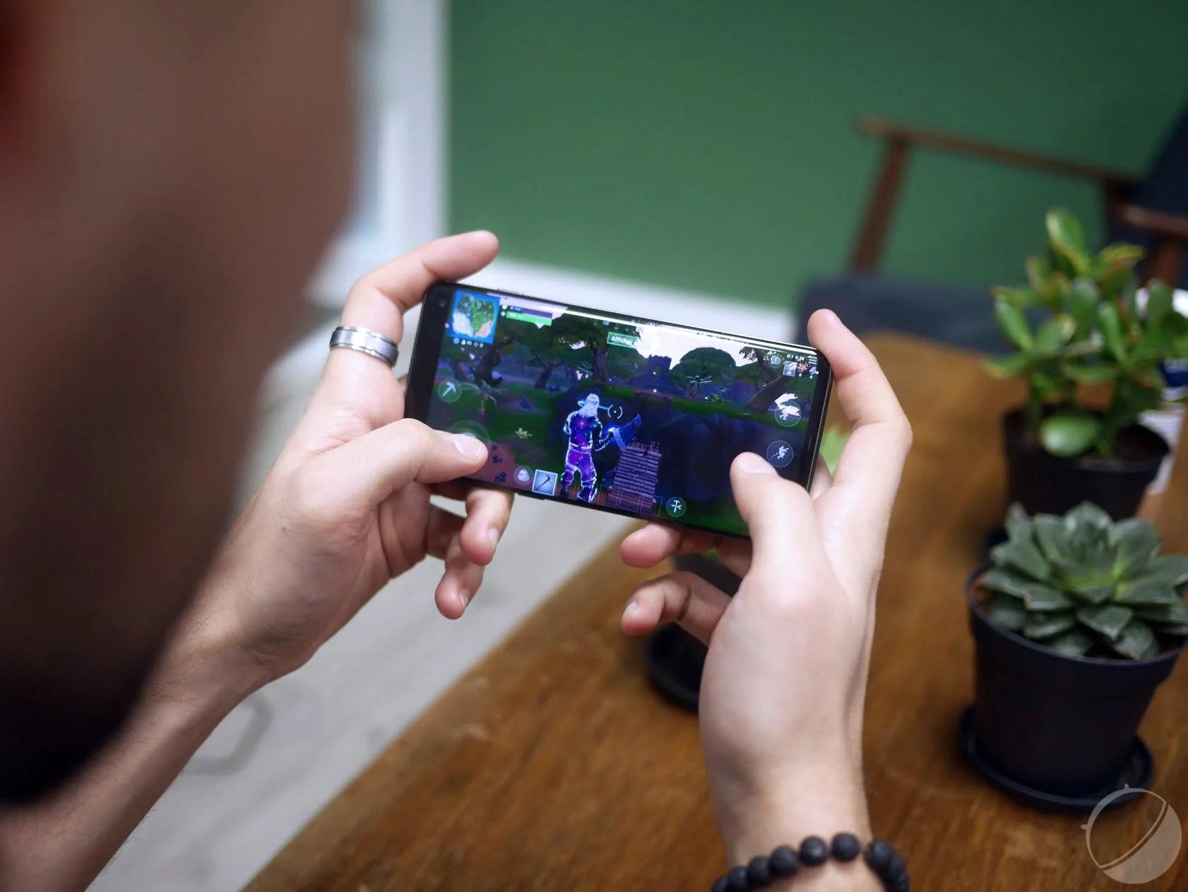 Samsung et AMD : les smartphones Galaxy utiliseront des puces Radeon