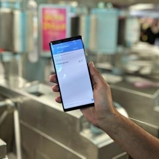 J'ai pris le métro sans ticket, mon smartphone Samsung suffit