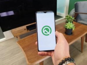 Android 10 Q veut garder votre téléphone allumé lorsque vous le regardez