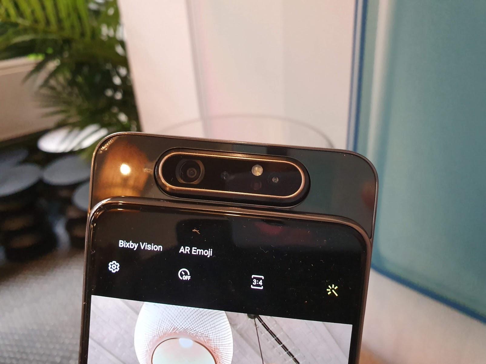 Samsung Galaxy A80 : voilà comment fonctionne son appareil photo rotatif