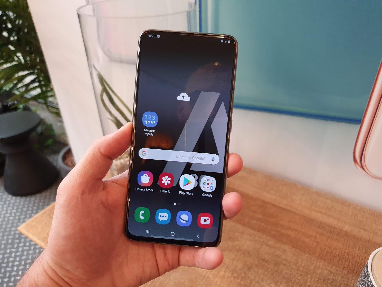 Snapdragon 855 et 5G : le Samsung Galaxy A90 dévoile sa fiche technique en avance