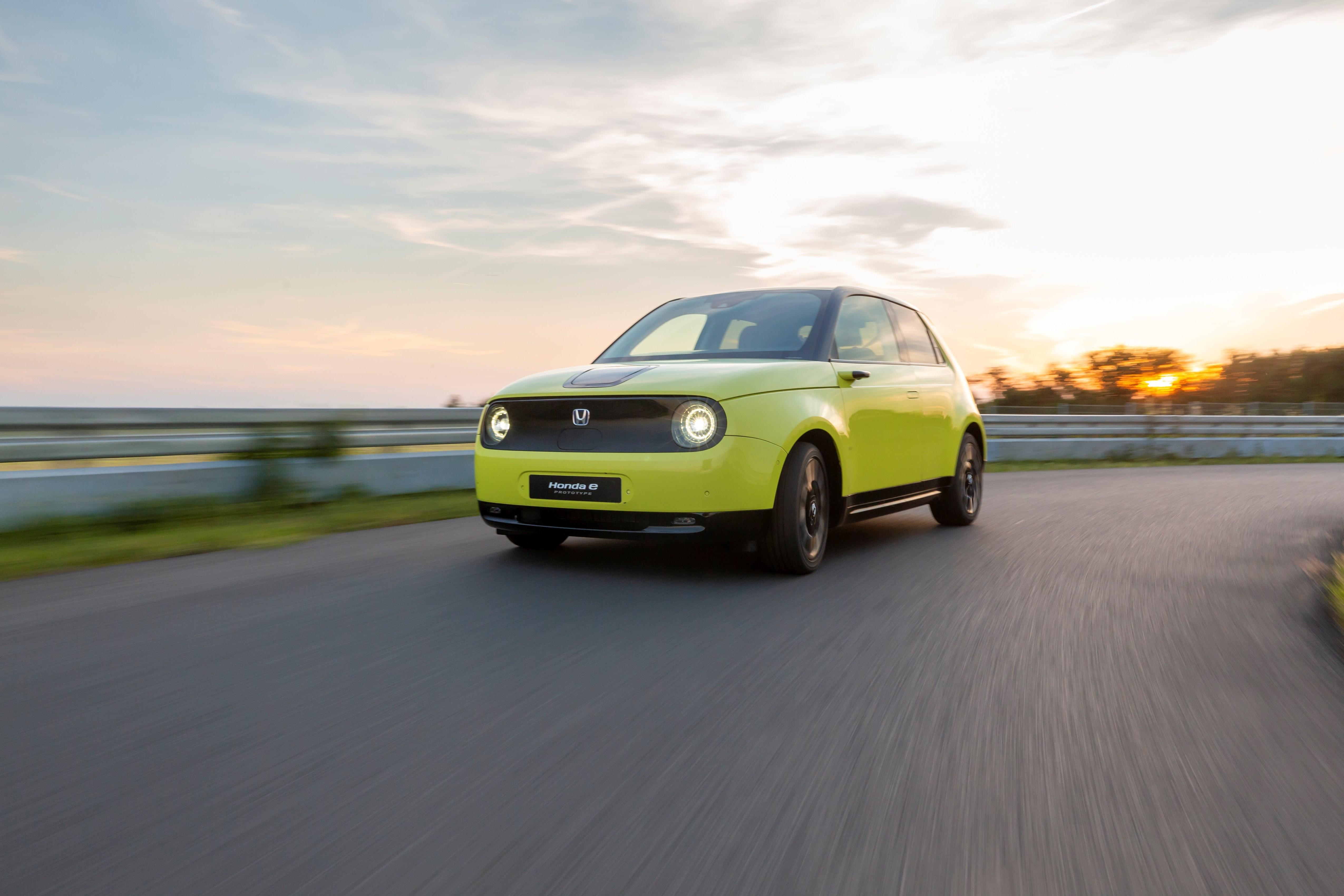 Honda e : plus puissante que la Peugeot e-208 et la Renault ZOE 2019