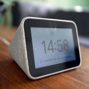 Lenovo Smart Clock : le réveil connecté est enfin de retour à moins de 30 €