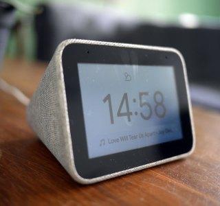 Le Lenovo Smart Clock chute sous les 30 € et devient plus abordable que jamais
