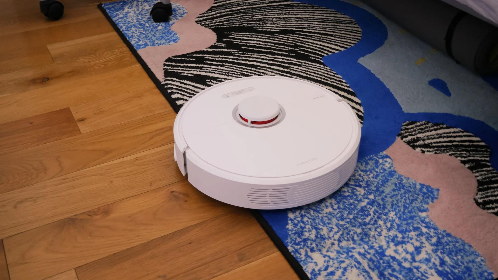Capteurs, lasers, algorithmes : quelles sont les technologies qui permettent aux aspirateurs robots de se débrouiller tous seuls ?