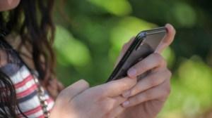 Quels smartphone et forfait choisir pour la rentrée au collège ?