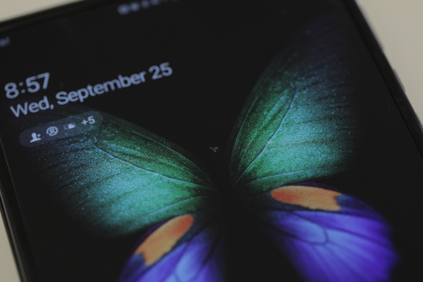 Samsung Galaxy Fold : un média reconnu a rencontré un nouveau problème d'écran, mais c'est le seul pour moment