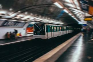 Grève SNCF et RATP : les applications pour s'en sortir sans train ni métro